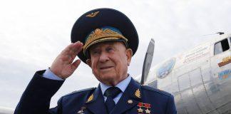 Sovet İttifaqı Qəhrəmanı Aleksey Leonov